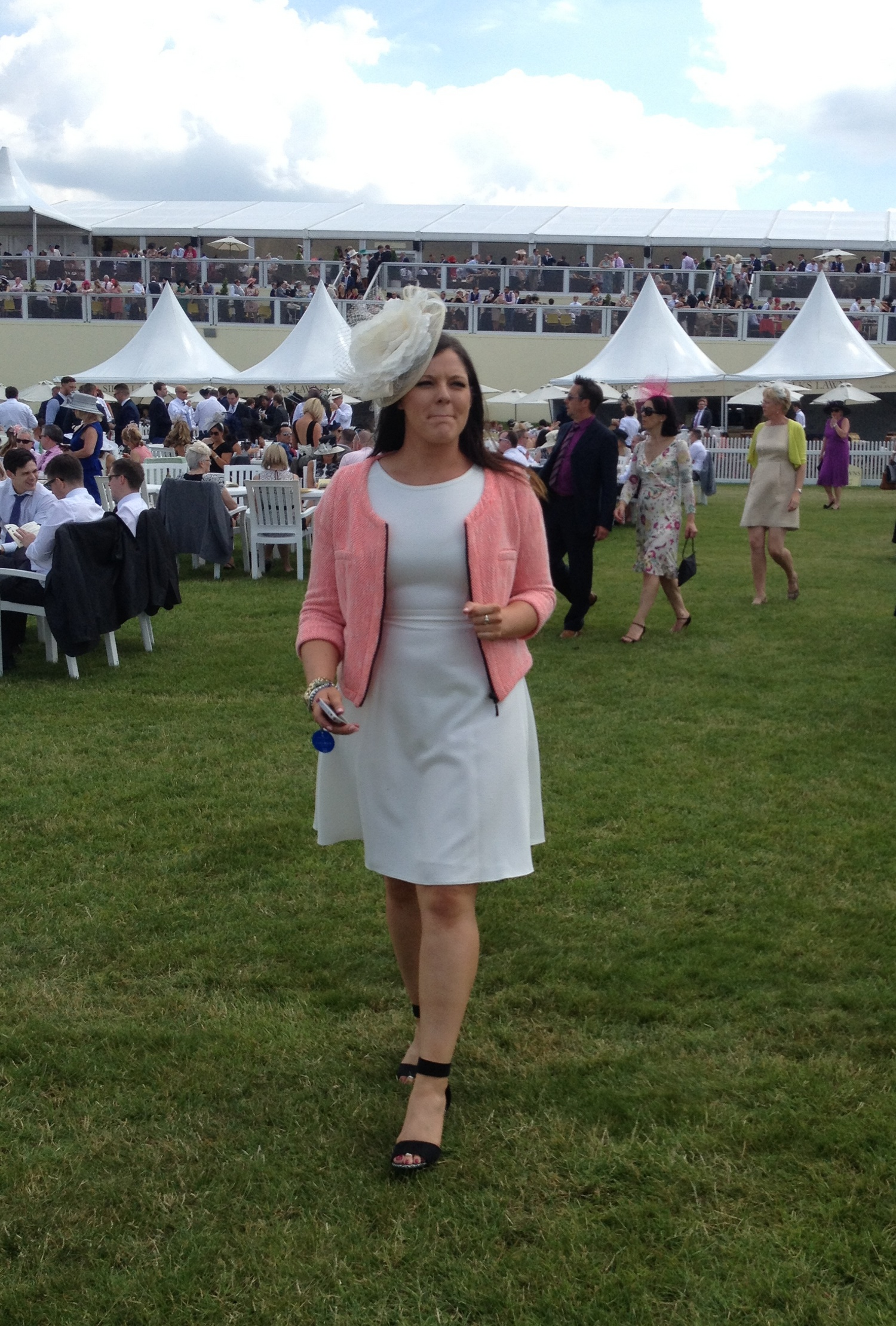 Bagstowear_RoyalAscot_Cream_Shades_2014