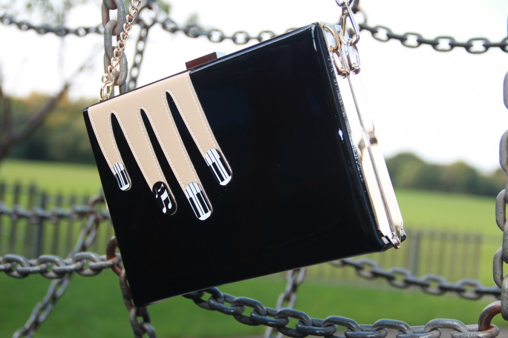 Bagstowear_Vendula_Piano_Nail_Art_Clutch