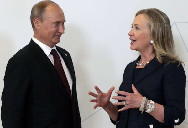 Hilary_Clinton_2012_with_Vladimir_Putin_in_Vladivostok_Bagstowear