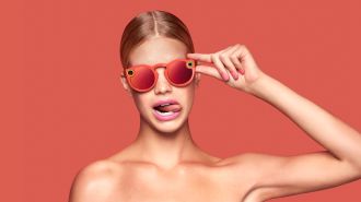 Bagstowear_Spectacles_Going_Coral
