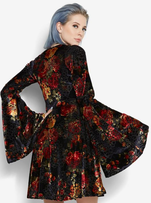 Bell-Sleeve-Velvet_Floral_Dress_Bet_Sleeves_Bagstowear