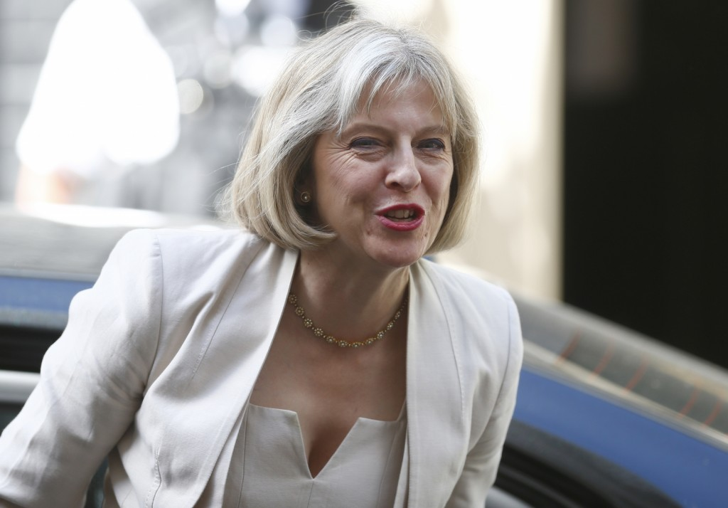 Bagstowear_Theresa-May-in-white